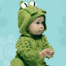 Knitting-project-frog-suit-with-hood-mdn