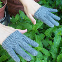Only_finger_gloves_2