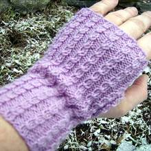 Baby_cables_fingerless_mitts