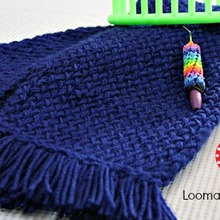Loom_knit_scarf_for_beginners_with_logo