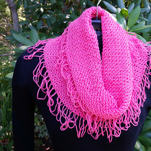 Ravtester_pink_cowl_medium2
