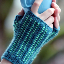 Mossy_path_mitts_cover_small