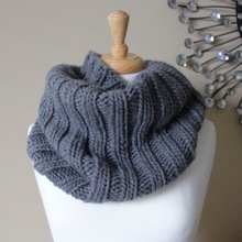 Bulky_ribbed_cowl_%e2%80%93_small